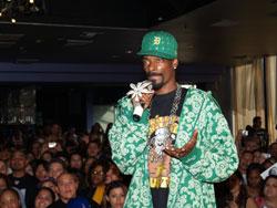 Snoop w/ Mic